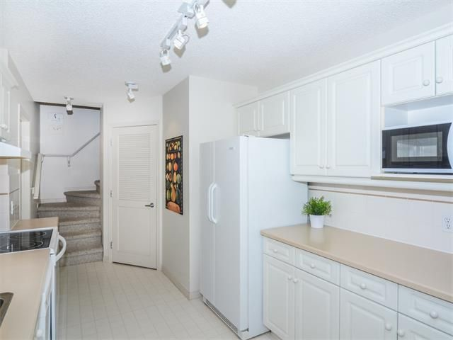 Photo 11: Photos: 1742 25 Street SW in Calgary: Shaganappi House for sale : MLS®# C4073026