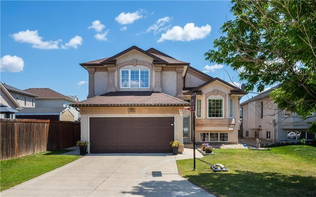 Main Photo: 102 Lindmere Drive in Winnipeg: Linden Woods Residential for sale (1M)  : MLS®# 202117284