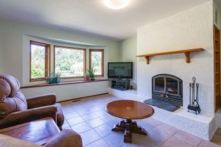 Photo 6: 6620 Rennie Rd in : CV Courtenay North House for sale (Comox Valley)  : MLS®# 851746