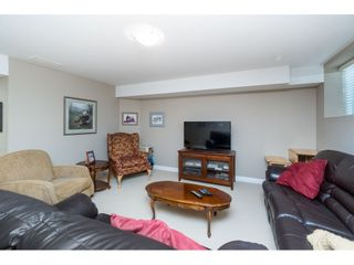 """Photo 16: 7033 179A Street in Surrey: Cloverdale BC Condo for sale in """"Provinceton"""" (Cloverdale)  : MLS®# R2392761"""