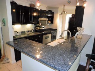 Photo 2: 94 SHORELINE CIRCLE in Port Moody: College Park PM Townhouse for sale : MLS®# R2199076