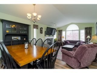 Photo 3: 7982 TOPPER DRIVE in Mission: Mission BC House for sale : MLS®# R2042980
