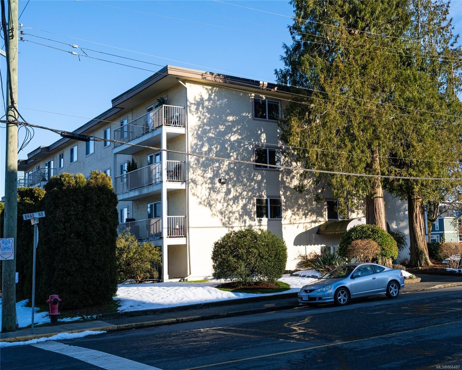 Main Photo: 303 380 Brae Rd in : Du West Duncan Condo for sale (Duncan)  : MLS®# 866487