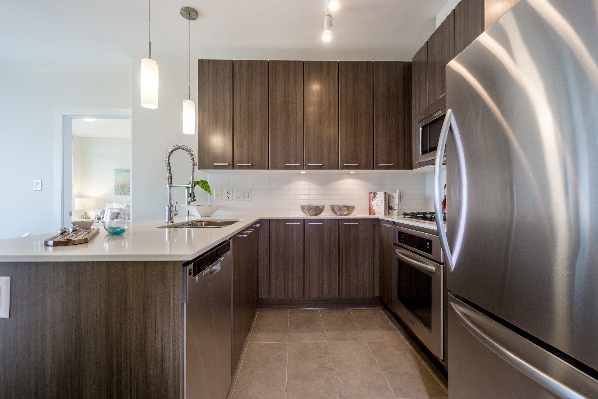 """Photo 5: Photos: 2906 2955 ATLANTIC Avenue in Coquitlam: North Coquitlam Condo for sale in """"OASIS"""" : MLS®# R2274297"""
