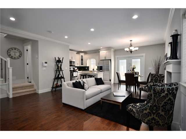 Main Photo: 2 7256 STRIDE Avenue in Burnaby: Edmonds BE 1/2 Duplex for sale (Burnaby East)  : MLS®# V911174