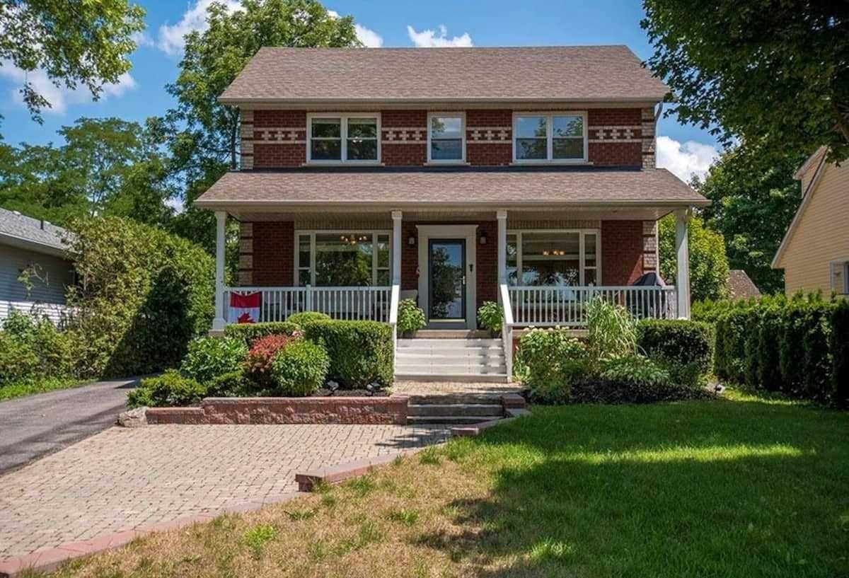 Main Photo: 327 N Lake Drive in Georgina: Historic Lakeshore Communities House (2-Storey) for sale : MLS®# N5304060