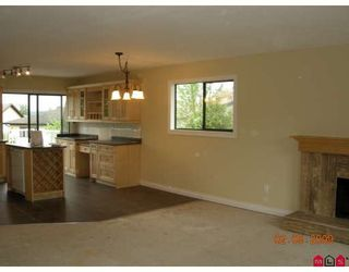 """Photo 6: 2836 WOODLAND Court in Langley: Willoughby Heights House for sale in """"WILLOUGBY HEIGHTS"""" : MLS®# F2909275"""