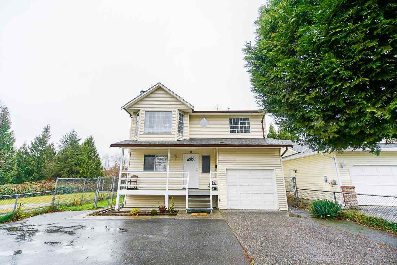 Main Photo: 20703 51B Avenue in Langley: Langley City House for sale : MLS®# R2523684