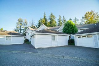 """Photo 19: 403 9119 154 Street in Surrey: Fleetwood Tynehead Townhouse for sale in """"LEXINGTON SQUARE"""" : MLS®# R2409703"""