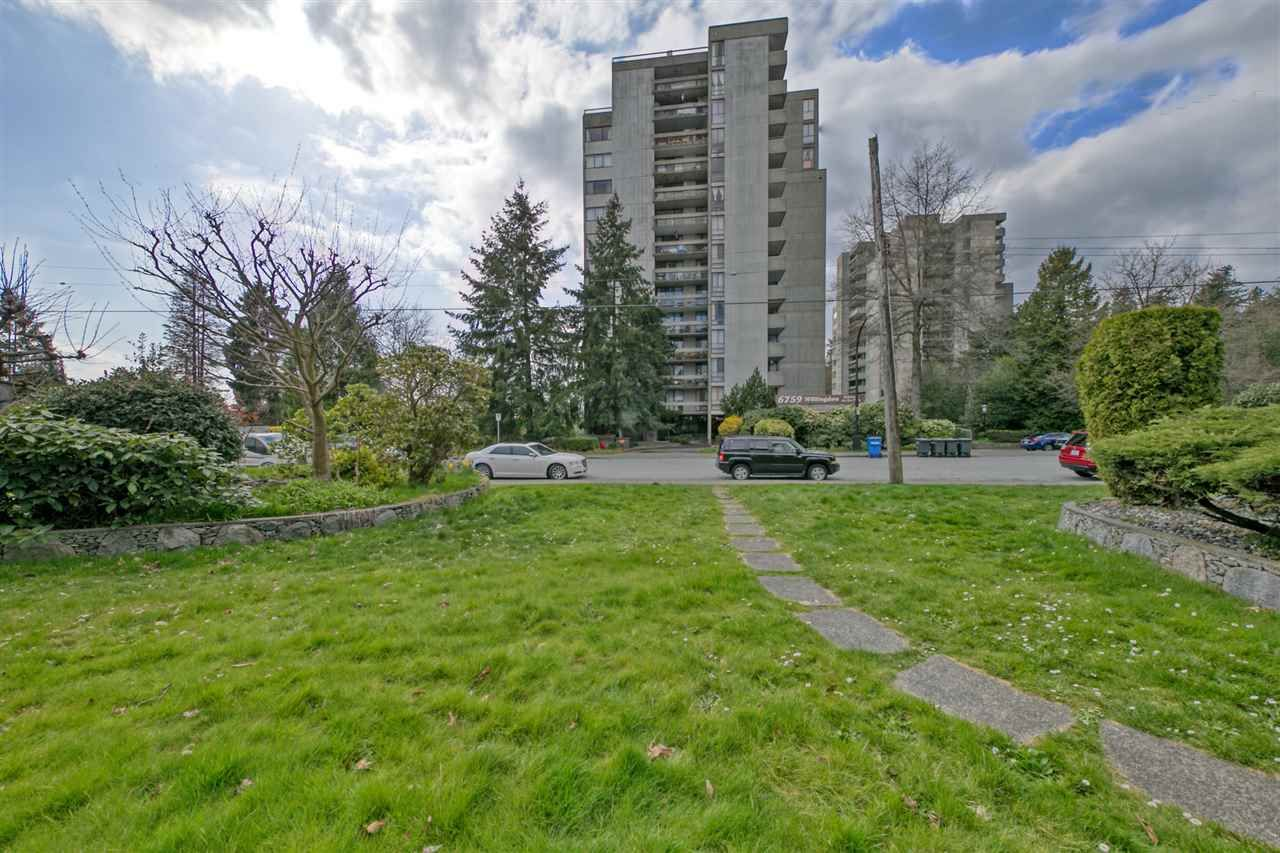 """Main Photo: 903 6759 WILLINGDON Avenue in Burnaby: Metrotown Condo for sale in """"Balmoral On the Park"""" (Burnaby South)  : MLS®# R2558756"""