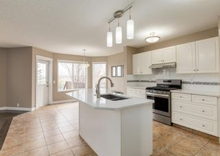 Photo 6: 151 Douglas Woods Hill SE in Calgary: Douglasdale/Glen Detached for sale : MLS®# A1092214