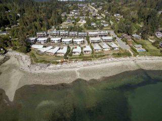 "Photo 3: 5396 WAKEFIELD BEACH Lane in Sechelt: Sechelt District Townhouse for sale in ""Wakefield Beach - Phase 1"" (Sunshine Coast)  : MLS®# R2135768"