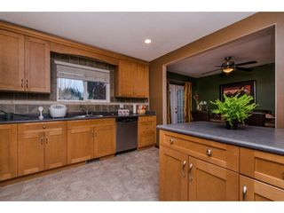 """Photo 8: 32884 BEVAN Avenue in Abbotsford: Central Abbotsford House for sale in """"~Mill Lake~"""" : MLS®# R2228988"""