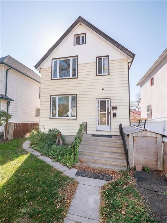 Main Photo: 452 Boyd Avenue in Winnipeg: North End Residential for sale (4A)  : MLS®# 202124235