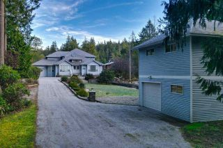 "Photo 3: 9858 WESCAN Road in Halfmoon Bay: Halfmn Bay Secret Cv Redroofs House for sale in ""Secret Cove"" (Sunshine Coast)  : MLS®# R2555031"