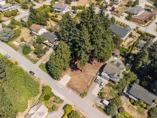 Photo 2: LOT 5 LAUREL Avenue in Sechelt: Sechelt District Land for sale (Sunshine Coast)  : MLS®# R2609554