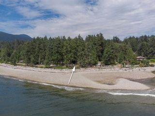 Photo 32: 1590 OCEAN BEACH Esplanade in Gibsons: Gibsons & Area House for sale (Sunshine Coast)  : MLS®# R2598013