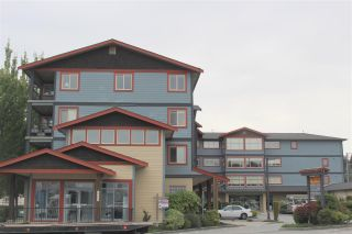 Photo 1: 306 5631 INLET Avenue in Sechelt: Sechelt District Condo for sale (Sunshine Coast)  : MLS®# R2489802