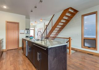 Photo 12: 3322 41 Street SW in Calgary: Glenbrook Detached for sale : MLS®# A1069634
