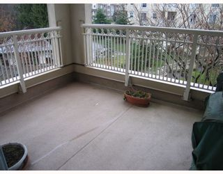 """Photo 9: 310 2975 PRINCESS Crescent in Coquitlam: Canyon Springs Condo for sale in """"THE JEFFERSON"""" : MLS®# V756156"""