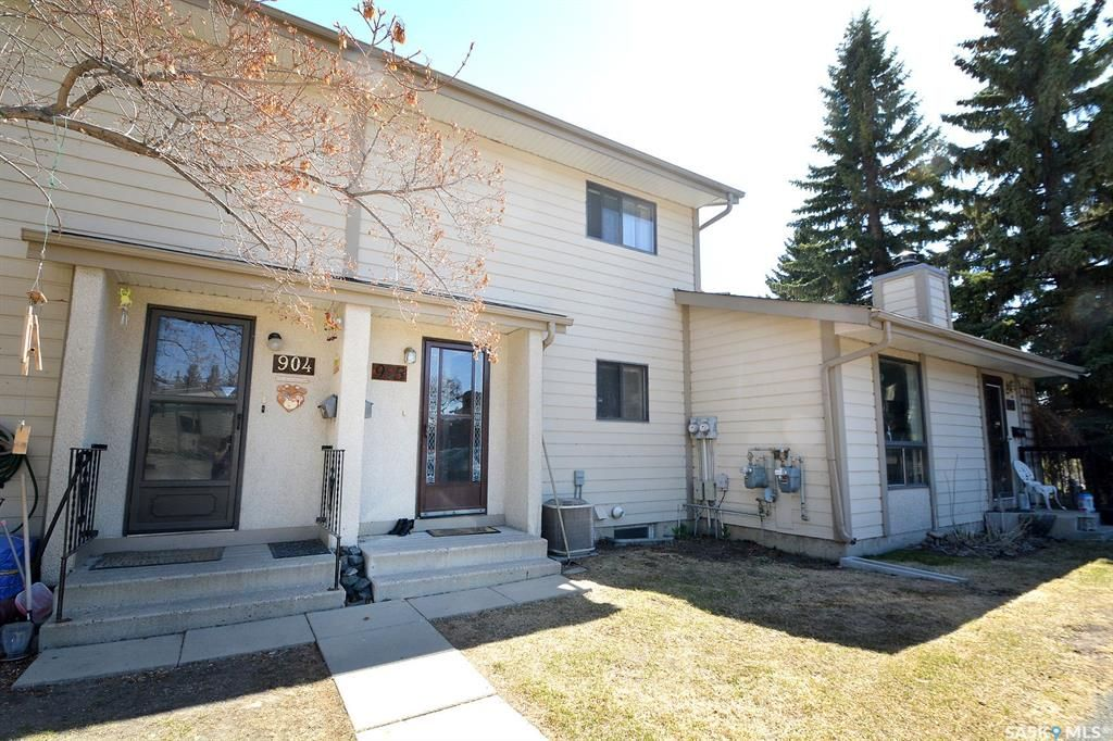 Main Photo: 905 145 Sandy Court in Saskatoon: River Heights SA Residential for sale : MLS®# SK854217