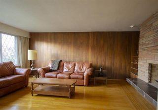 "Photo 3: 6091 WILLOW Street in Vancouver: Oakridge VW House for sale in ""Oakridge"" (Vancouver West)  : MLS®# R2604557"