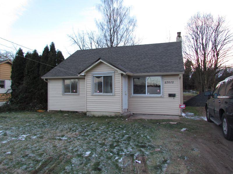 Main Photo: 45610 BERNARD Avenue in CHILLIWACK: House for rent (Chilliwack)