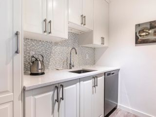 """Photo 5: 202 2885 SPRUCE Street in Vancouver: Fairview VW Condo for sale in """"Fairview Gardens"""" (Vancouver West)  : MLS®# R2572384"""