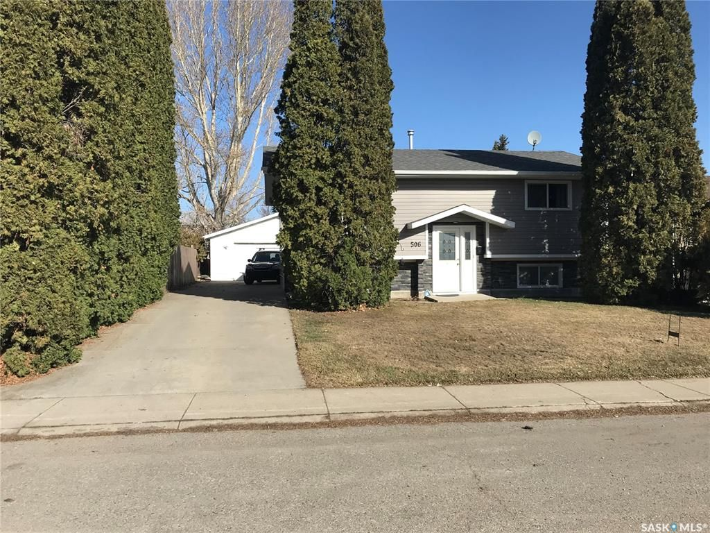 Main Photo: 506 Priel Crescent in Saskatoon: Fairhaven Residential for sale : MLS®# SK846762