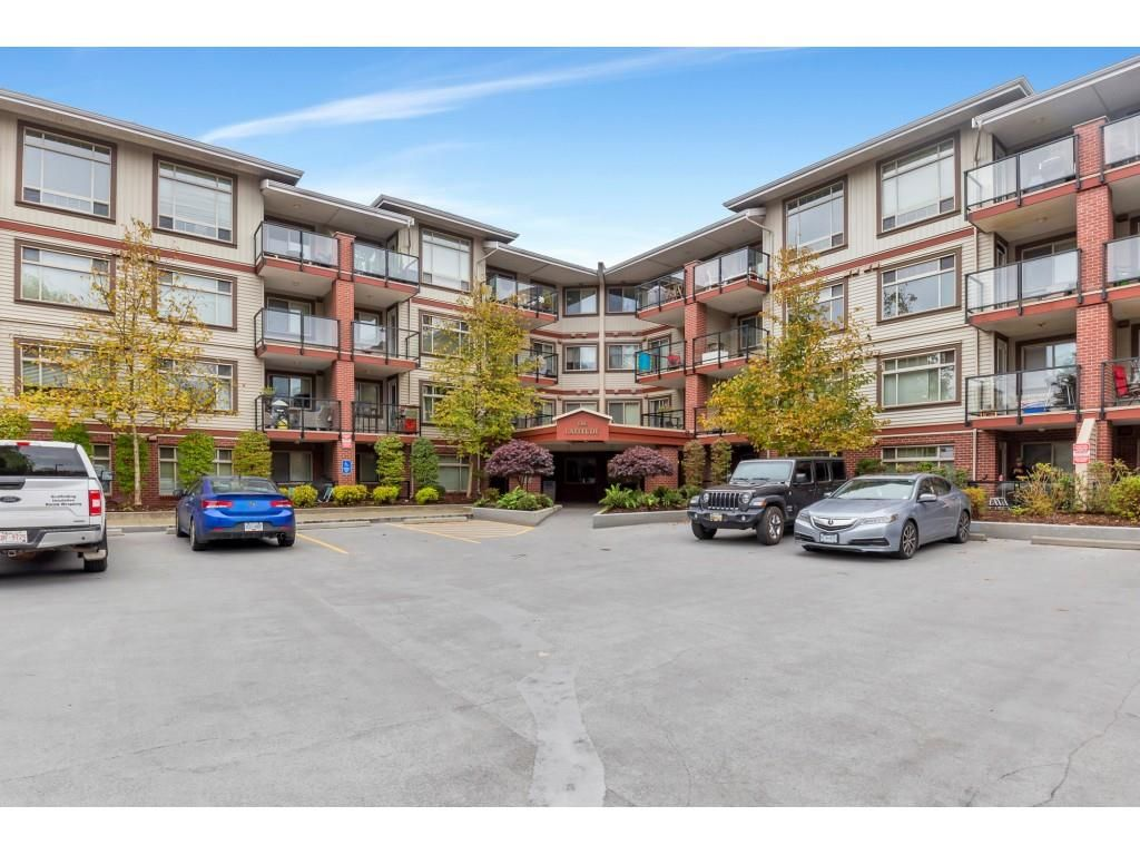 "Main Photo: 307 2233 MCKENZIE Road in Abbotsford: Central Abbotsford Condo for sale in ""LATITUDE ON MCKENZIE"" : MLS®# R2513942"