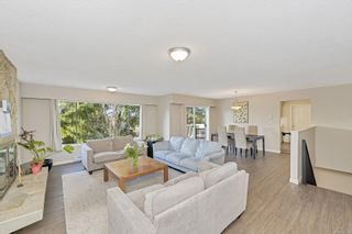 Photo 2: 1760 Triest Cres in : SE Gordon Head House for sale (Saanich East)  : MLS®# 866393