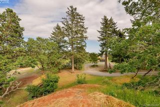 Photo 6: 1716 Woodsend Dr in VICTORIA: SW Granville House for sale (Saanich West)  : MLS®# 805881