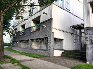 Photo 1: 19 704 W 7TH AVENUE in Vancouver: Fairview VW Condo for sale (Vancouver West)  : MLS®# R2470222