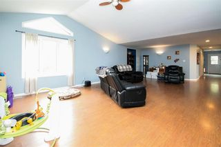 Photo 5: 30105 ZORA Road N in Cooks Creek: House for sale : MLS®# 202119548