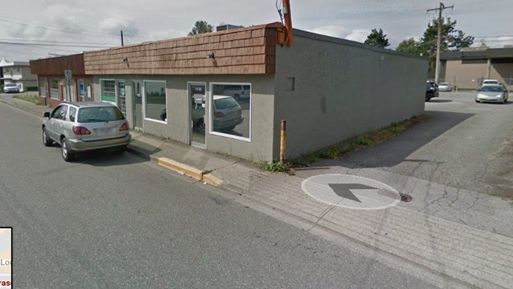 Main Photo: 11767 FRASER Street in Maple Ridge: East Central Retail for sale : MLS®# C8037673