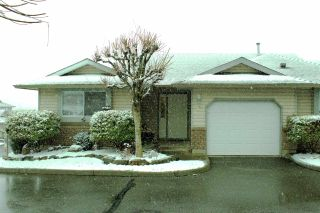 """Photo 1: 40 2023 WINFIELD Drive in Abbotsford: Abbotsford East Townhouse for sale in """"Meadowview Estates"""" : MLS®# R2141929"""
