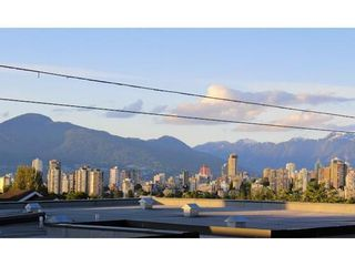 Photo 7: 207 2211 2ND Ave W in Vancouver West: Home for sale : MLS®# V997595