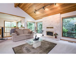 Photo 12: 5319 SOUTHRIDGE Place in Surrey: Panorama Ridge House for sale : MLS®# R2612903