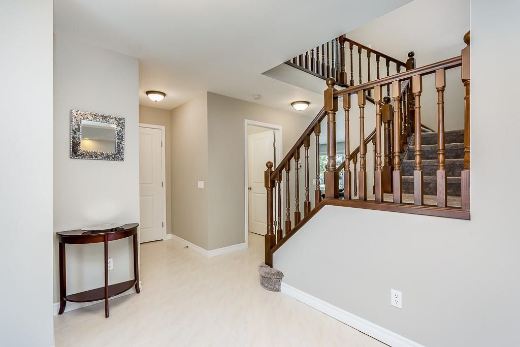 Photo 6: Photos: 115 SIERRA MORENA Circle SW in Calgary: Signal Hill Detached for sale : MLS®# C4299539