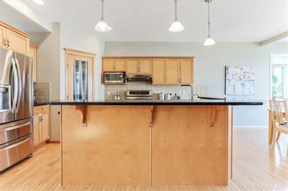 Photo 9: 119 CRESTMONT Drive SW in Calgary: Crestmont Detached for sale : MLS®# C4205113