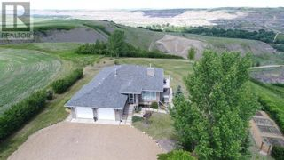 Photo 3: 750 Monarch  Hill in Drumheller: House for sale : MLS®# A1051022