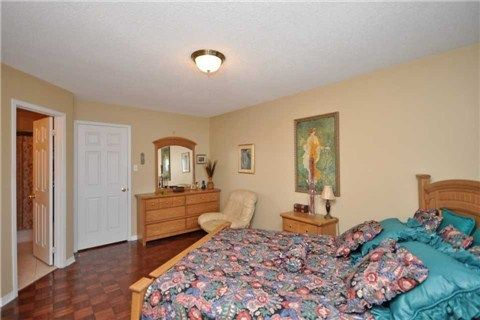 Photo 2: Photos: 5423 Sweetgrass Gate in Mississauga: East Credit House (2-Storey) for sale : MLS®# W3115945