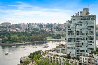 Photo 2: 2005 1077 MARINASIDE Crescent in Vancouver: Yaletown Condo for sale (Vancouver West)  : MLS®# R2612033