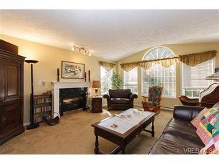 Photo 4: 924 Wendey Dr in VICTORIA: La Walfred House for sale (Langford)  : MLS®# 675974