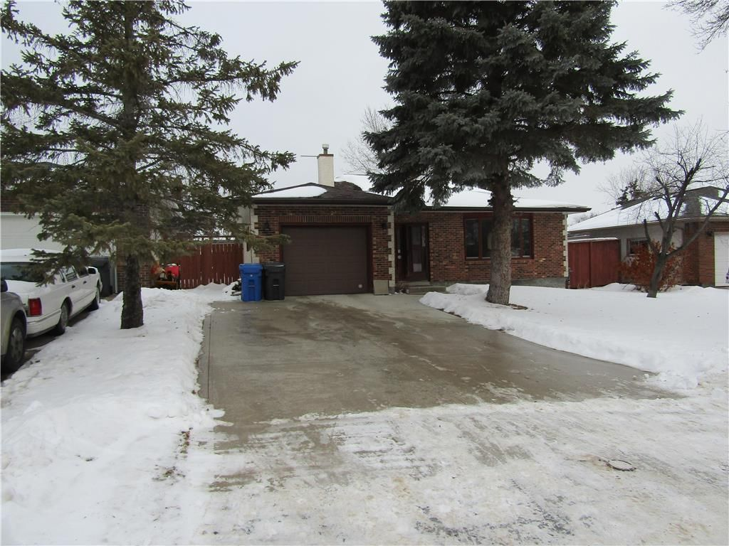 Main Photo: 79 Norlorne Drive in Winnipeg: Charleswood Residential for sale (1G)  : MLS®# 202029755