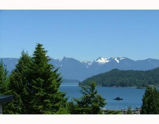 Photo 1: 458 ABBS Road in Gibsons: Gibsons & Area House for sale (Sunshine Coast)  : MLS®# V769677