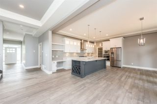 Photo 3: 1031 PALMDALE STREET in Coquitlam: Ranch Park House for sale : MLS®# R2194050
