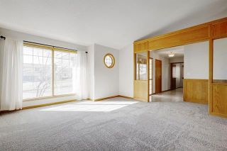 Photo 7: 24 SIGNATURE Way SW in Calgary: Signal Hill Detached for sale : MLS®# C4302567