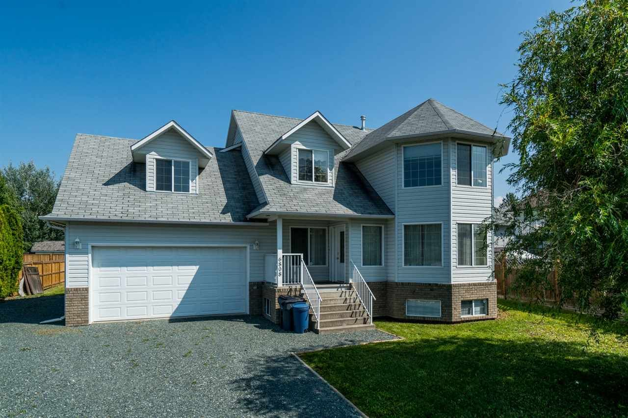 Main Photo: 6808 WESTGATE Avenue in Prince George: Lafreniere House for sale (PG City South (Zone 74))  : MLS®# R2414049