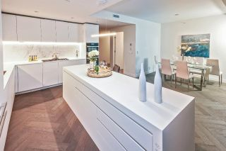"Photo 6: 5601 1480 HOWE Street in Vancouver: Yaletown Condo for sale in ""VANCOUVER HOUSE"" (Vancouver West)  : MLS®# R2531161"